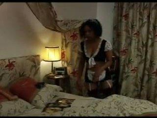Lesbische Anal Strapon Maid