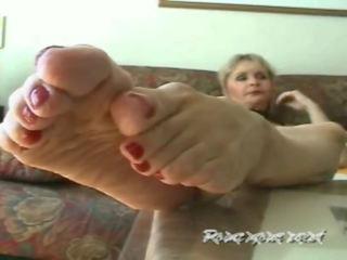 Feet porn milf Veiny MILF